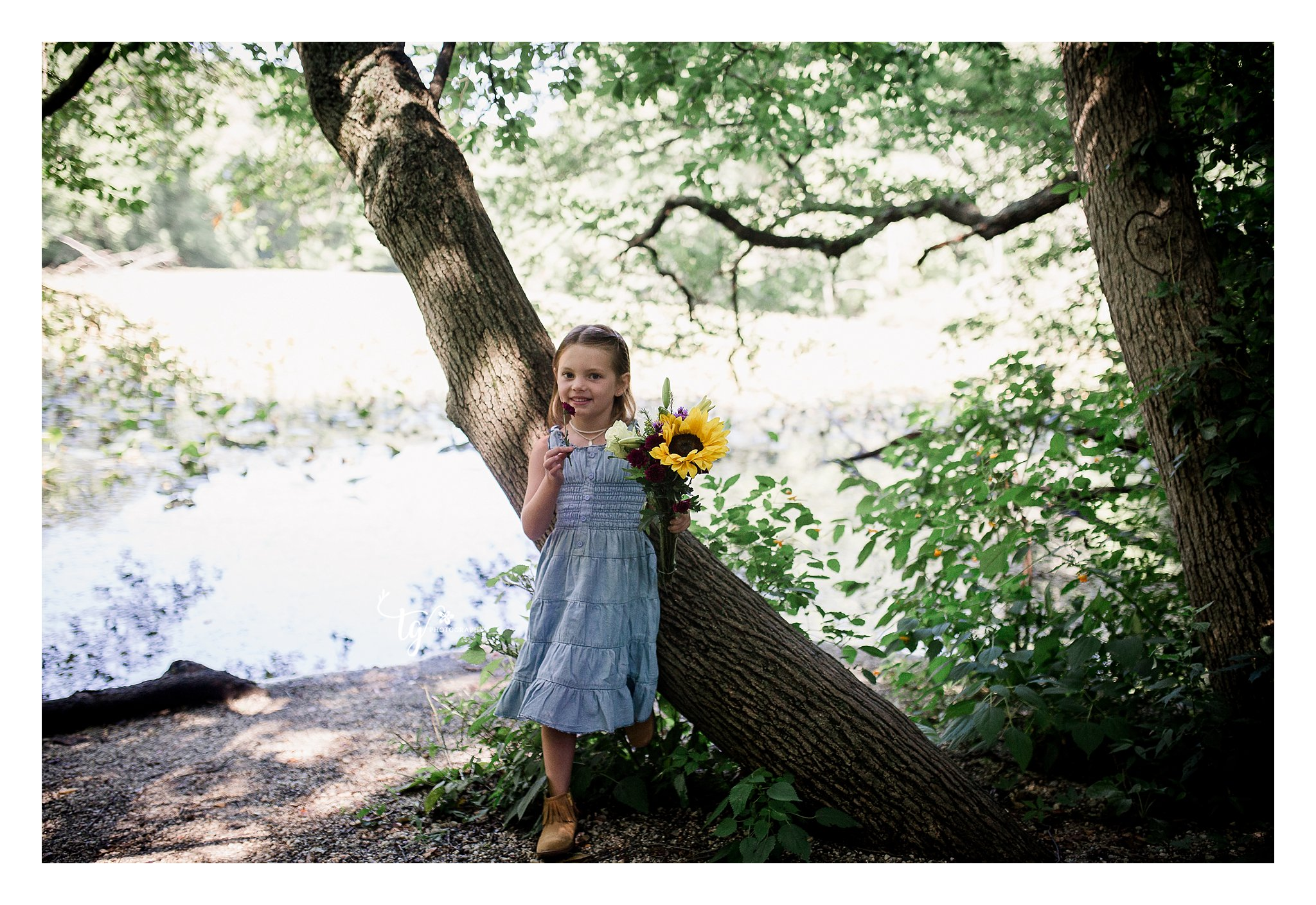 natural and authentic toddler birthday photos