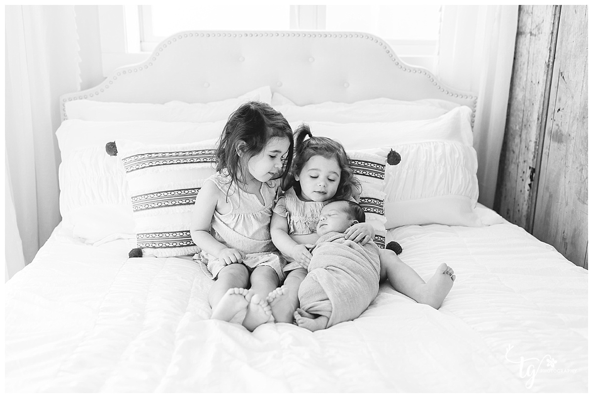 candid and relaxed newborn photography