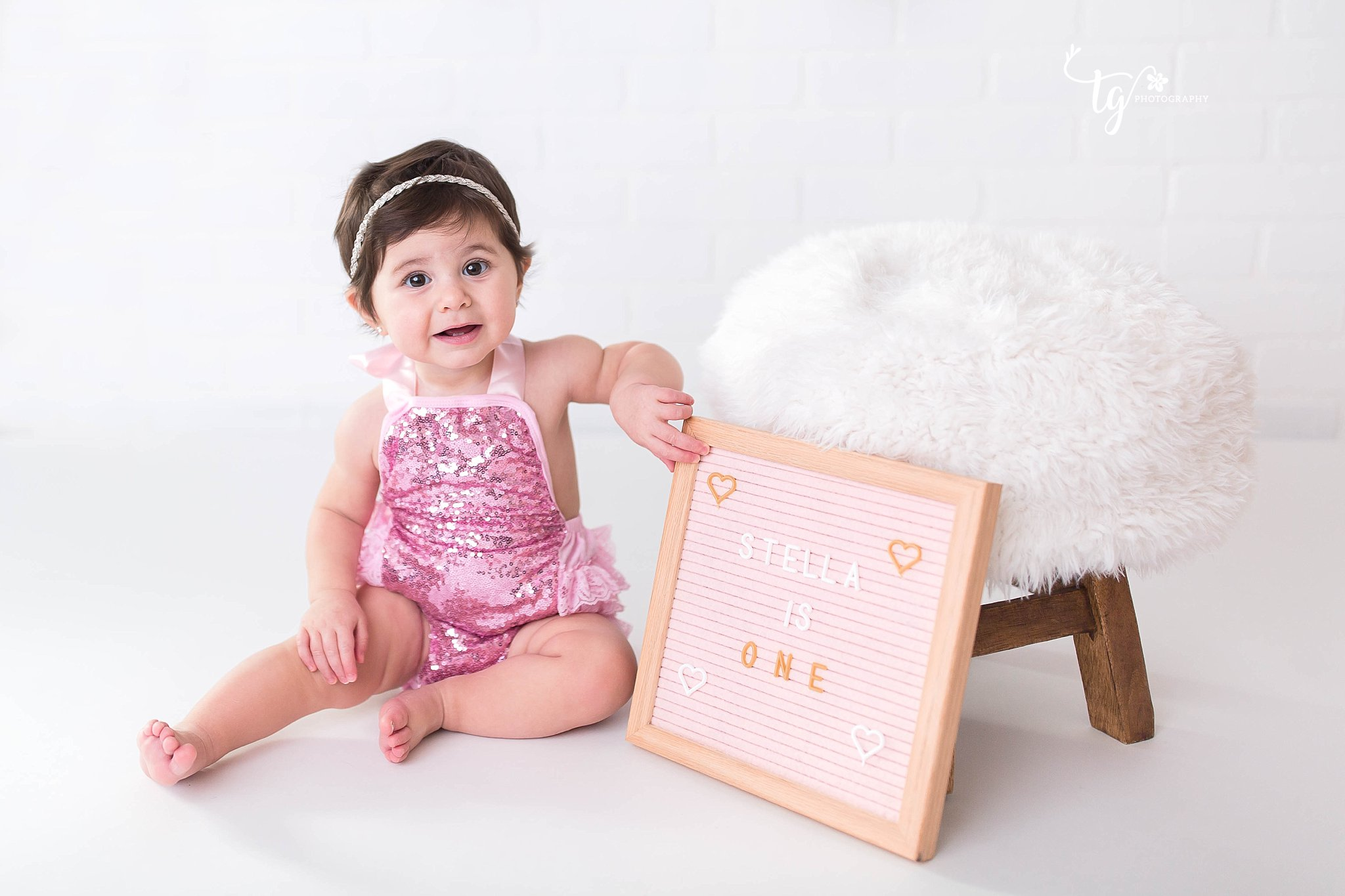 modern first birthday session