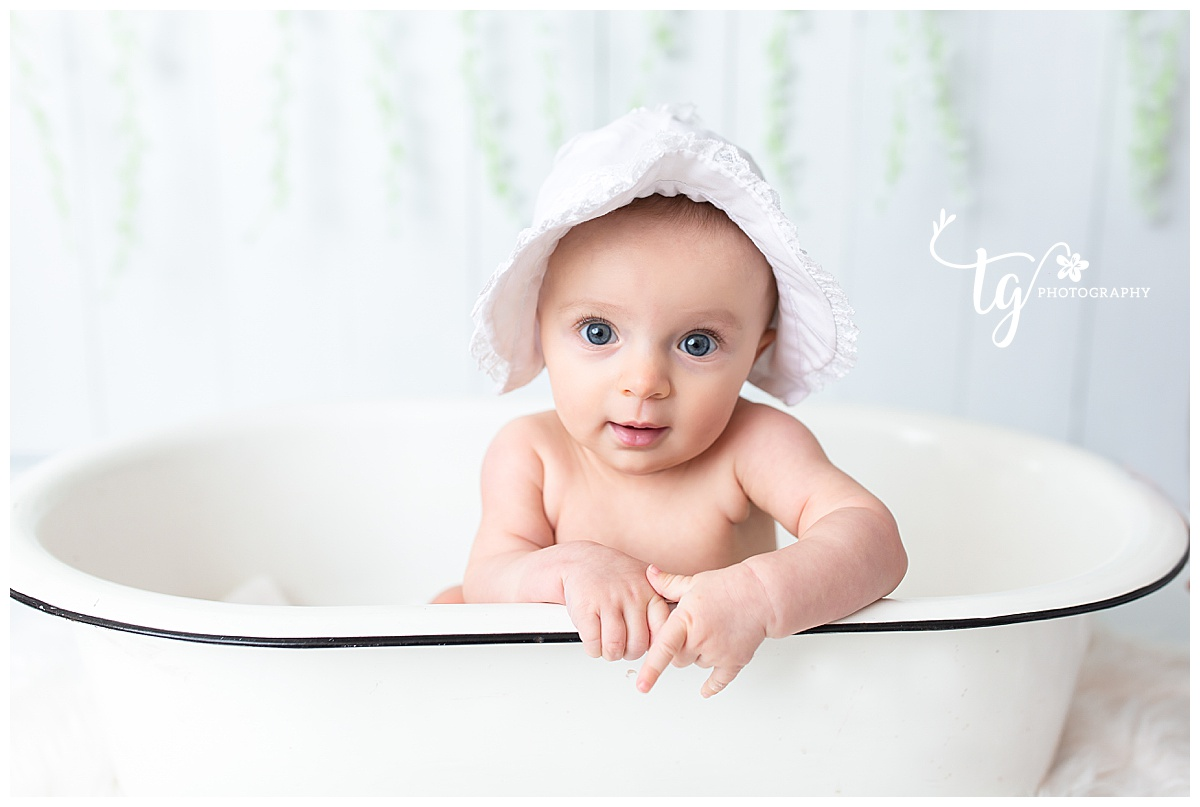 six month old photo session