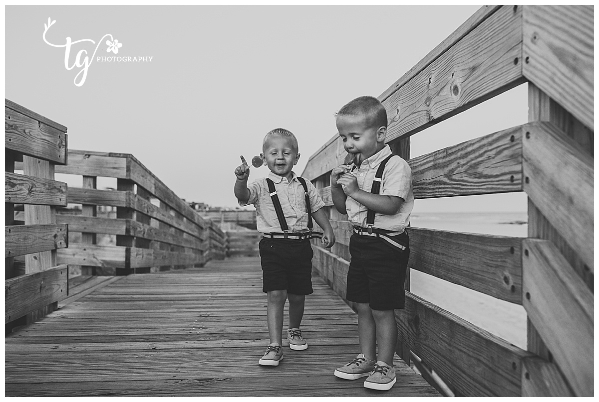 photographer for photos of children on the beach