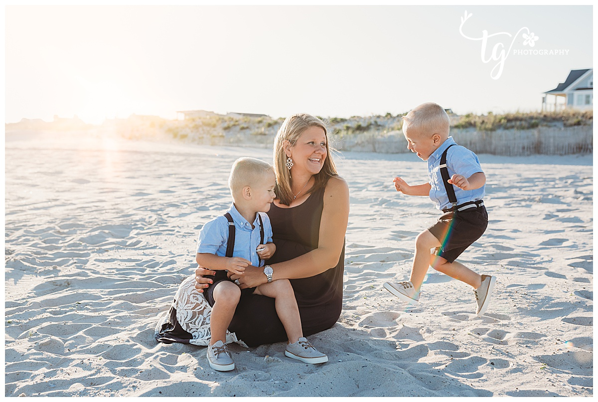 candid and natural family photographer