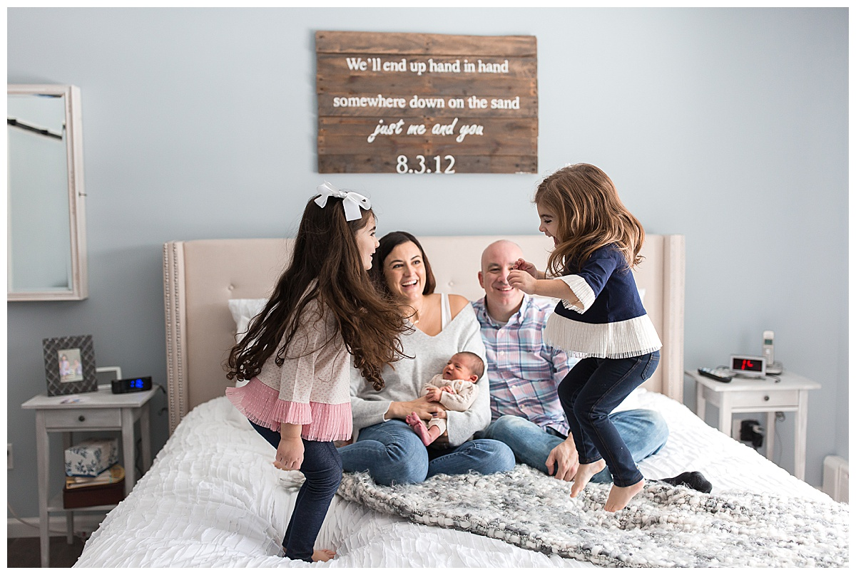 candid in home newborn photos