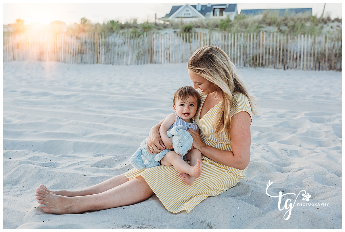 natural and candid beach family photography