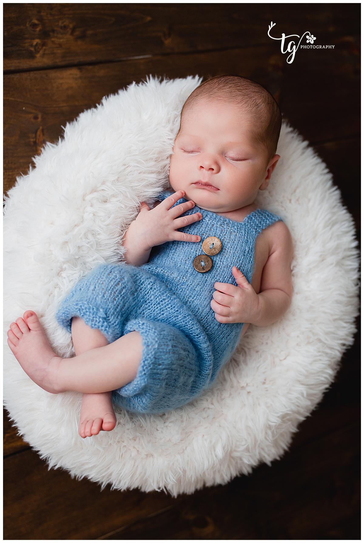 timeless newborn photographer
