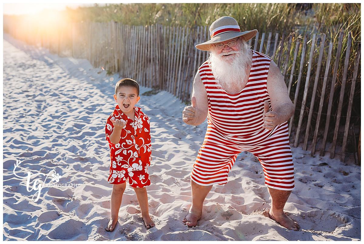 fun beach holiday mini session
