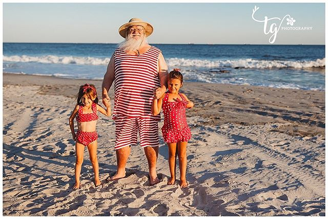 Why visit Santa at the mall when you can hang with him at the beach?  Come visit Santa at the beach with me on October 4th.  Your child can build a sandcastle with him, jump over the waves, or collect shells.  It is a one of a kind Santa experience for your child and one that will create lasting memories.  There are three spots left for this session...all three are in the hour before sunset.  Link is in comments.