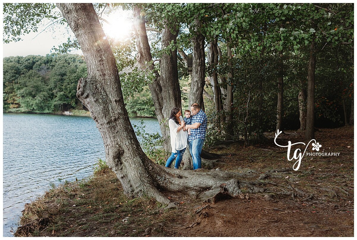 fall family photo session by lake