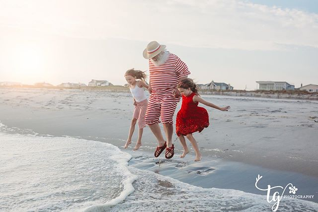 Yay...jump for joy!  Beach Santa will be back for another fun filled session on October 14th, which is Columbus Day.  Message me for details or to grab a spot.  https://teresageraghtyphotography.bigcartel.com/product/beachsantaminis