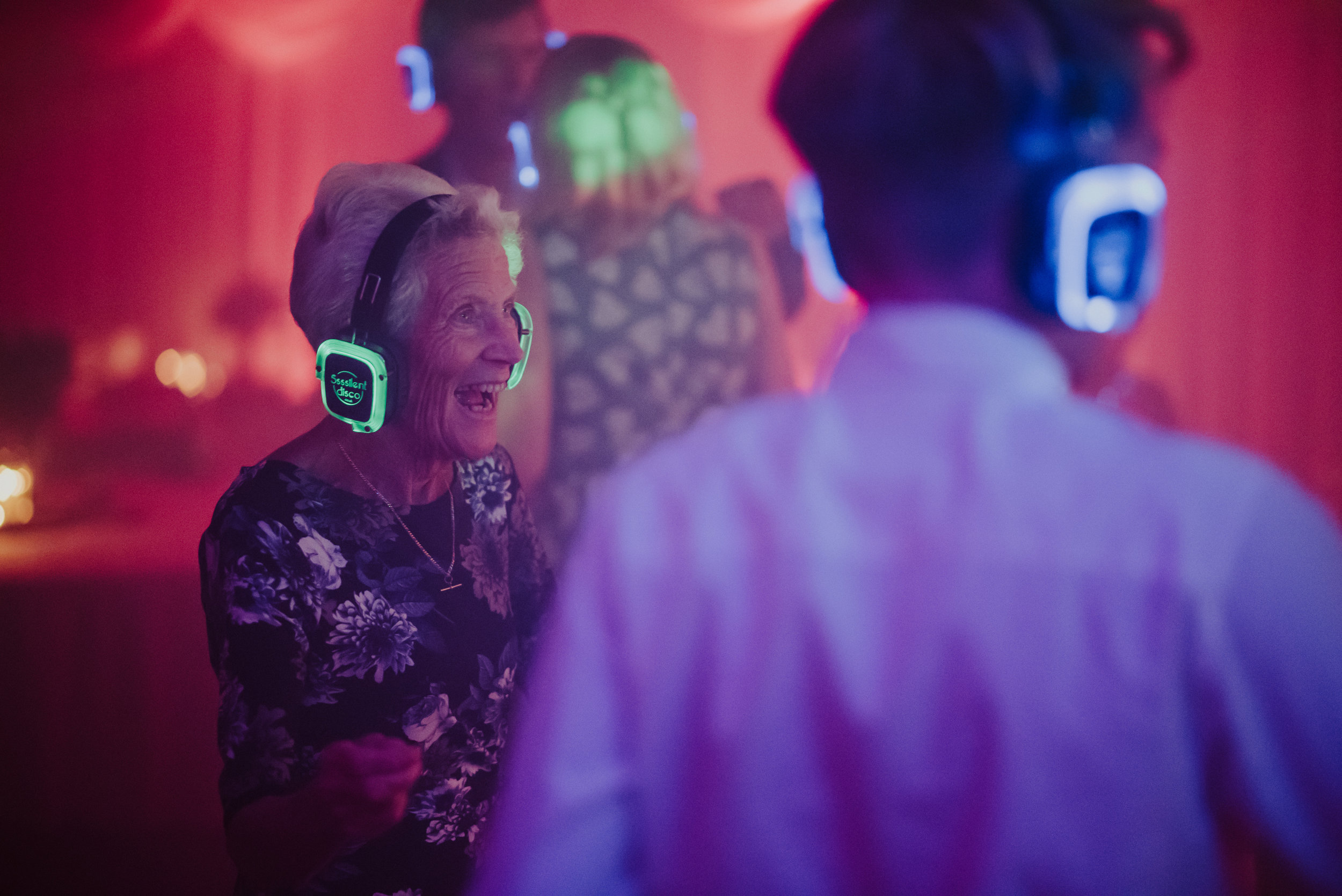 Silent-Disco-Cornwall-Wedding-3.jpg