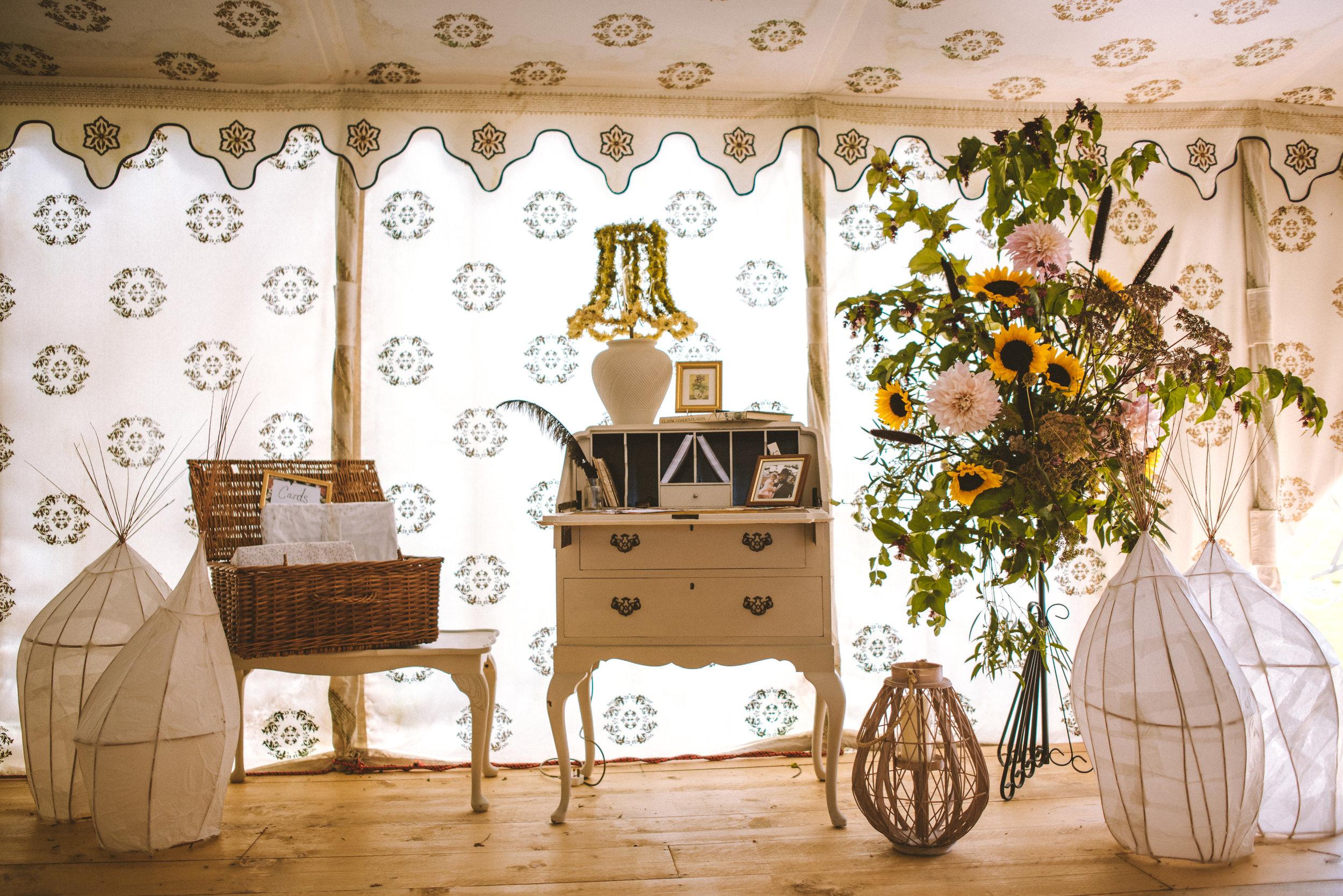 pencarrow-house-wedding-photographer-10.jpg