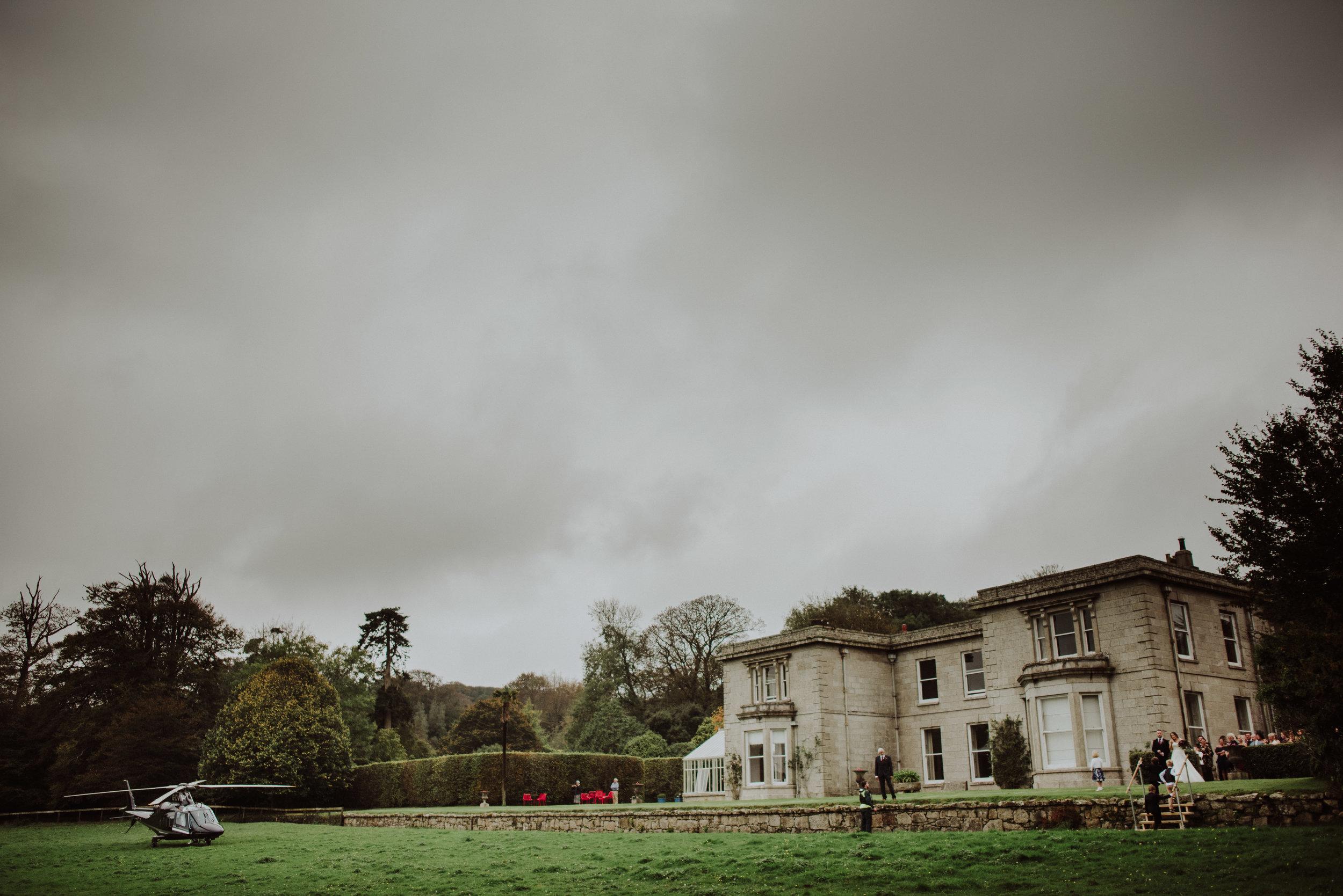 scorrier-house-cornwall-wedding-photographer-11.jpg