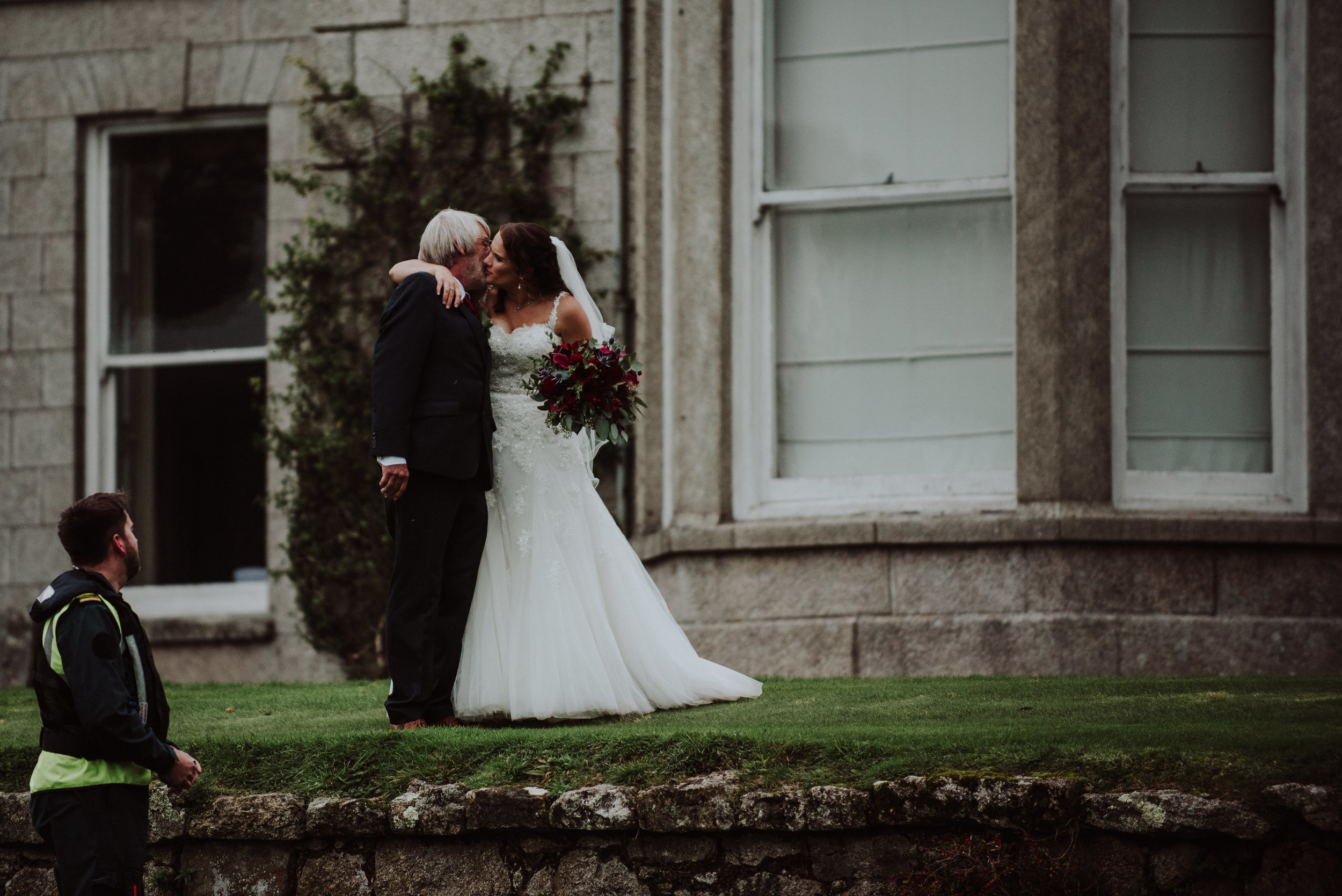 scorrier-house-cornwall-wedding-photographer-13.jpg