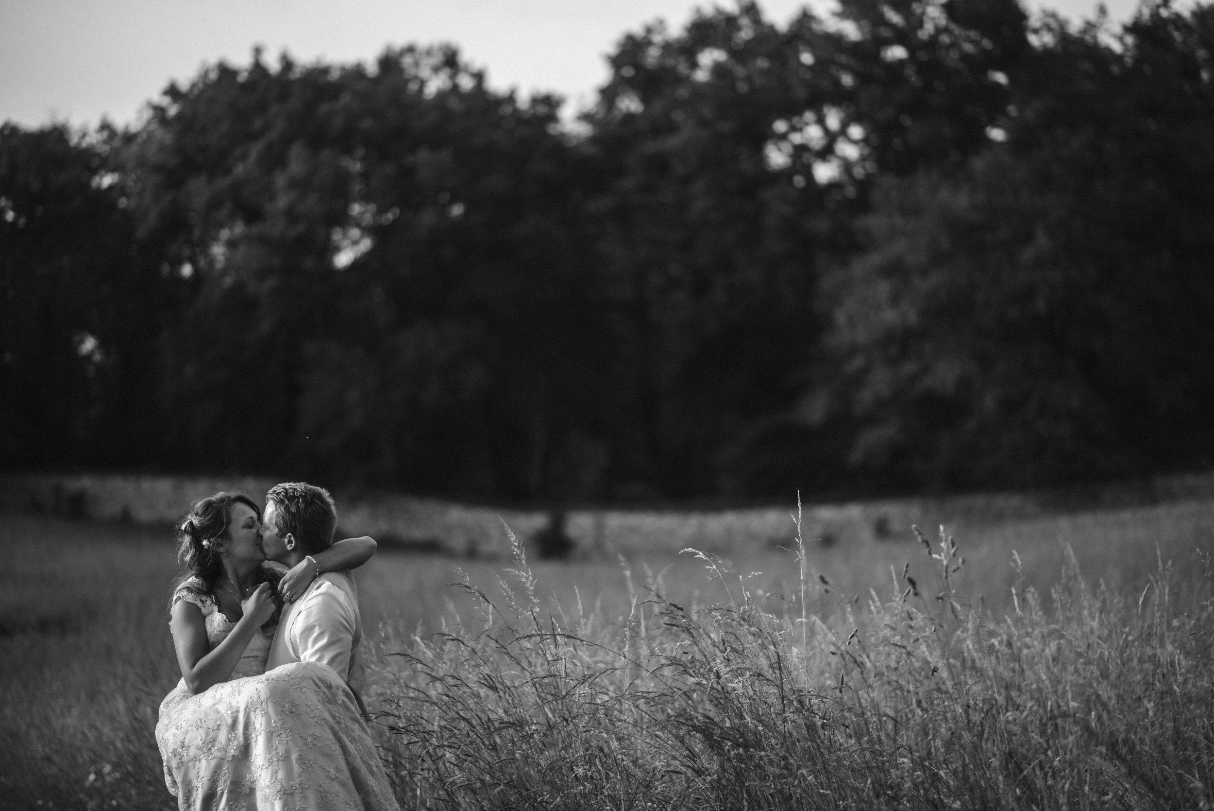 wedding-photographer-dordogne-mark-shaw-60.jpg