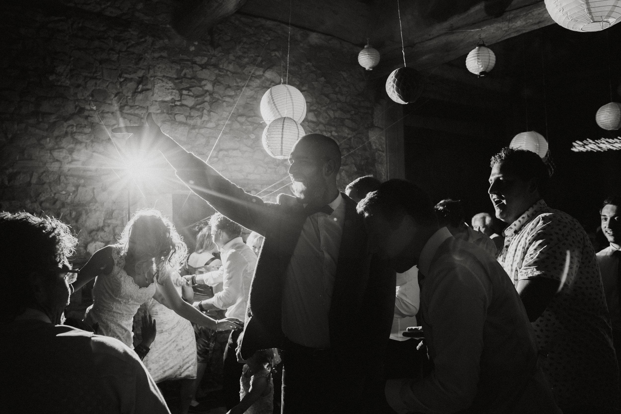 wedding-photographer-dordogne-mark-shaw-77.jpg