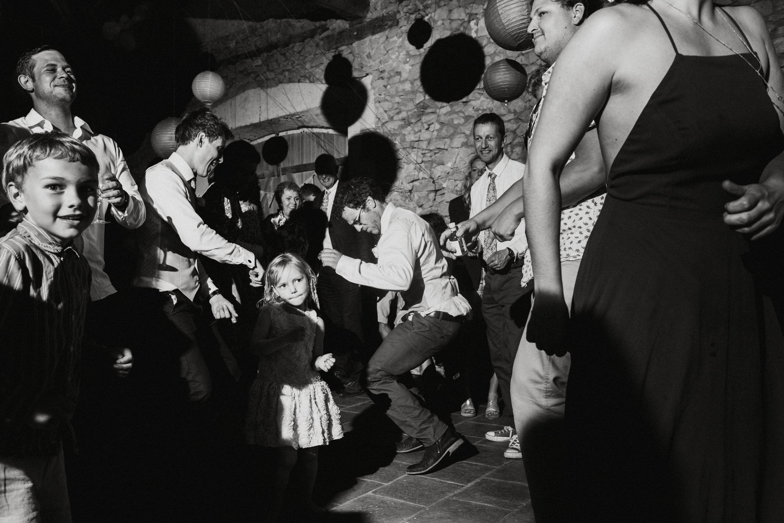 wedding-photographer-dordogne-mark-shaw-79.jpg