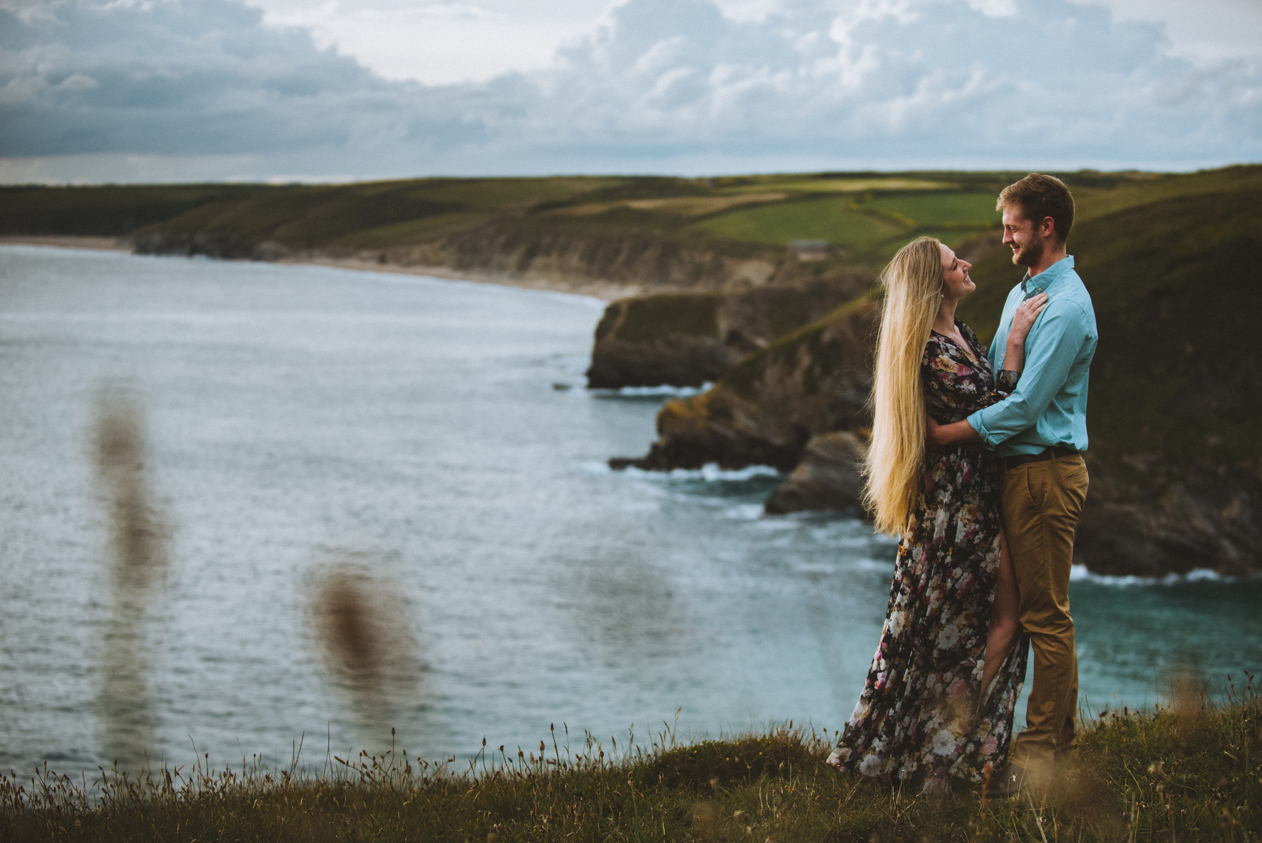 cornwall-photographer-engagement.jpg
