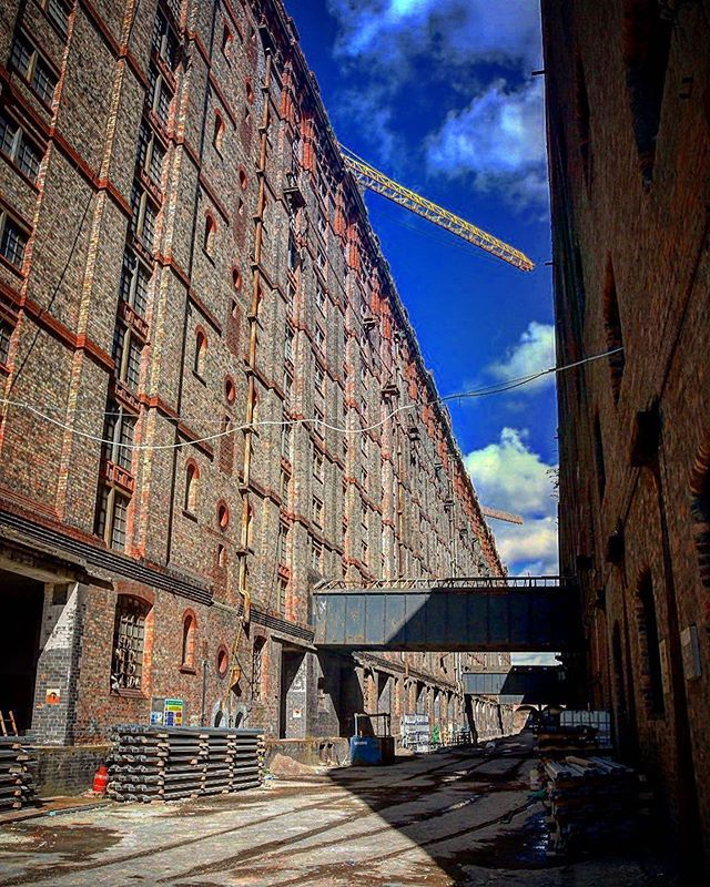 Snuck into the Tobacco Warehouse at Stanley Dock 🤫. . . . . #tobaccowarehouse #liverpool #architecture #warehouse #stanleydock #renovation #titanichotelliverpool #dockroad #apartments #artgallery #waterfront #urbanexploration #visualsoflife #heritagebuilding #architecturephotography #igersmersey #history #worldslargestbrickbuilding #historicbuildings #instagram #ukarchitecture #historicbuilding #instadaily #derelict Repost • @laura_rooney_photo