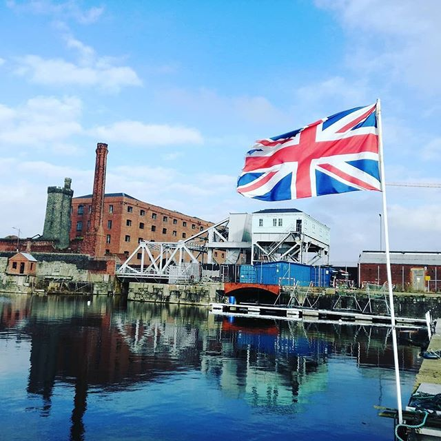The water is ready for tomorrow's charity #coldwaterswimming #8degrees today #collingwooddock #liverpoolwaters @bloodwise @completetrainingsolutions #swimoutside #chesterfrosties #merseytri #outdoorswimmer #oss #uktriathlon #liverpooldocks @titanichotelliverpool @stanleydock Posted • @weswimrunuk