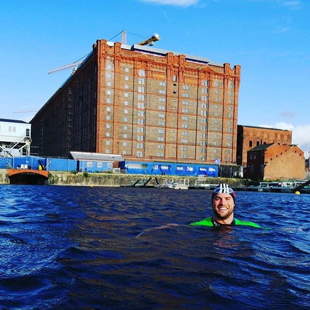Another great session at #CollingwoodDock great to see @merseytriclub braving the wind and @arnau.m28 having his final #coachedsession before @loveswimrun Holy Island this Sunday. Working on his #sighting and #hiprotation #lookingstrong. Join us every Thursday, and why not check out @tenstreetsmarket on cotton street too! #swimcoaching #outdoorswimmer #swimrun #holyisland #weswimrun #swimliverpool #wecanwales Repost • @weswimrunuk