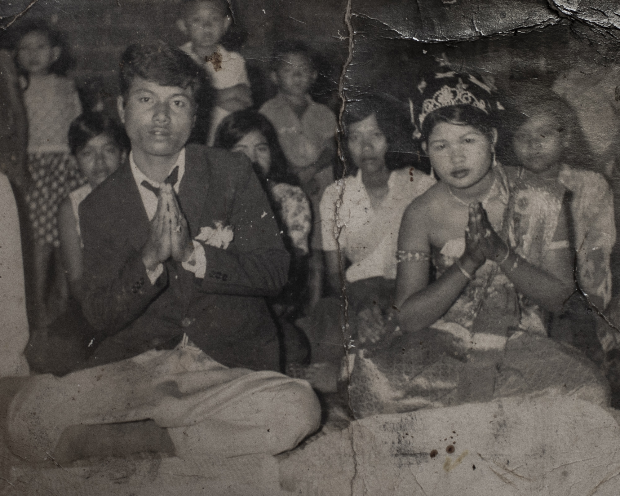 Chia's wedding photo with her first husband, before the Khmer Rouge regime.