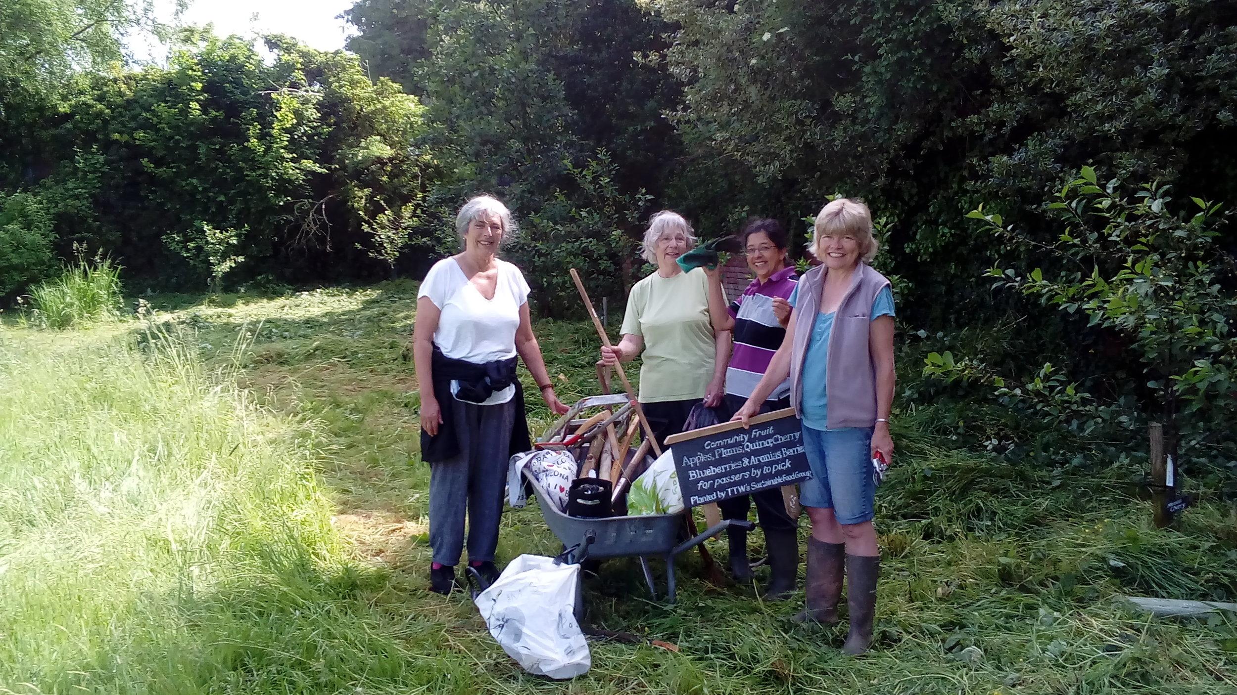 community gardening.jpg