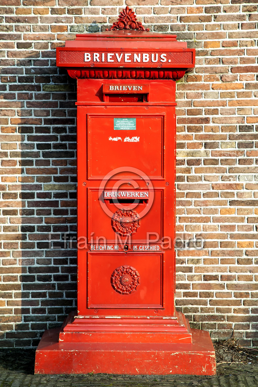 Mail box, Zaannse Schans open-air museum, NL