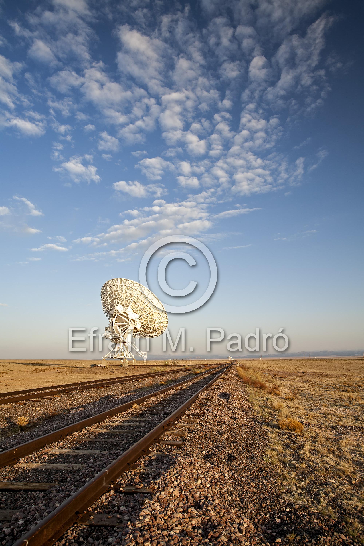 Radio telescope and tracks, Very Large Array (VLA), San Agustin Plains, near Magdalena, NM