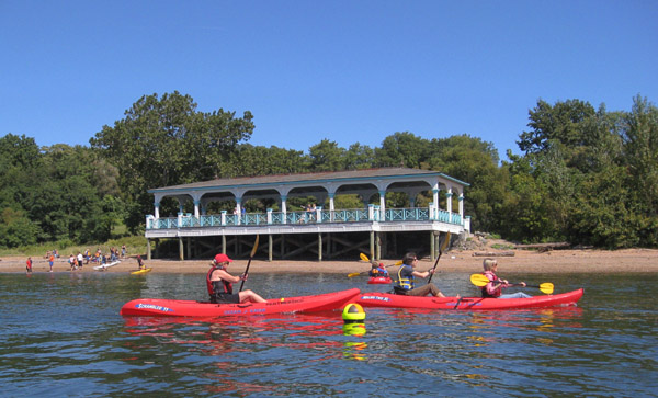 Tottenville residents kayaking at the Conference House
