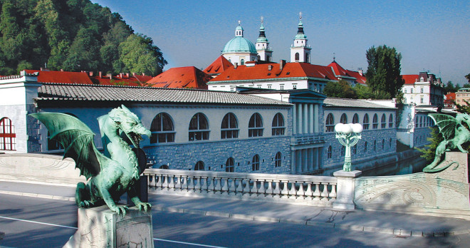Dragon-bridge-with-the-cathedral-E.-Kase-Turizem-Ljubljana-660x348.jpg