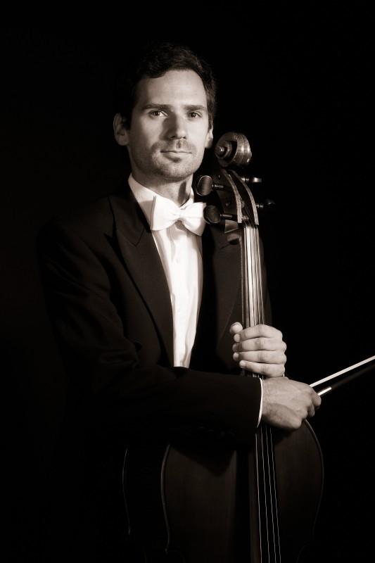 Gregor FELE, violončelo