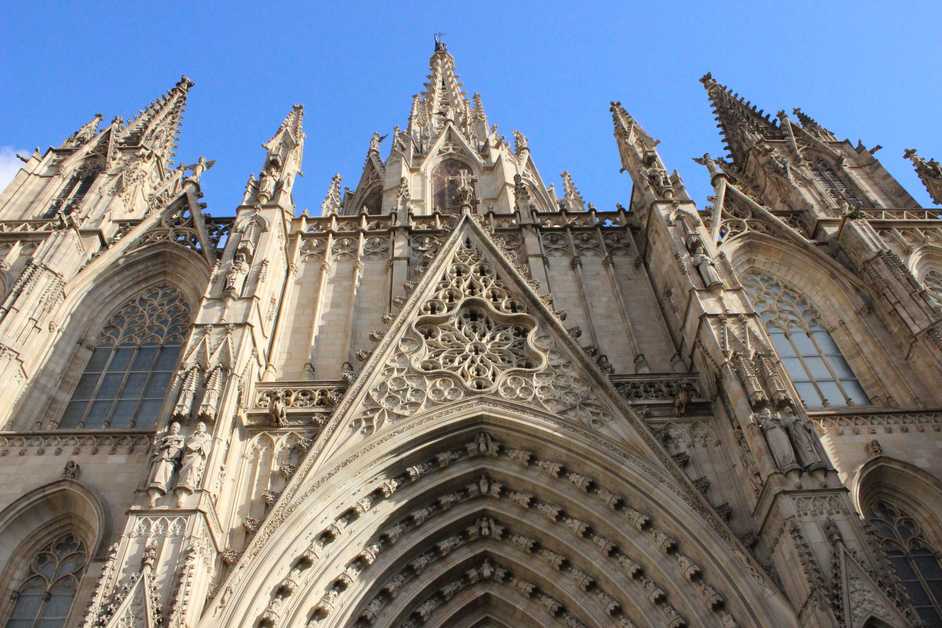 church-994475_1920.jpg