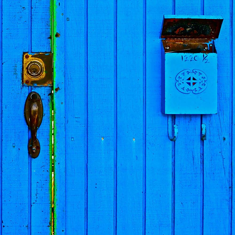 """LA Blue Door: No mail"""