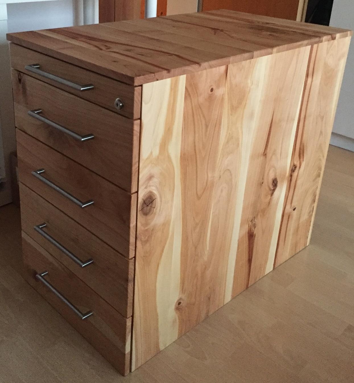 Schreibtisch-Schrank aus massivem Kirschbaumholz
