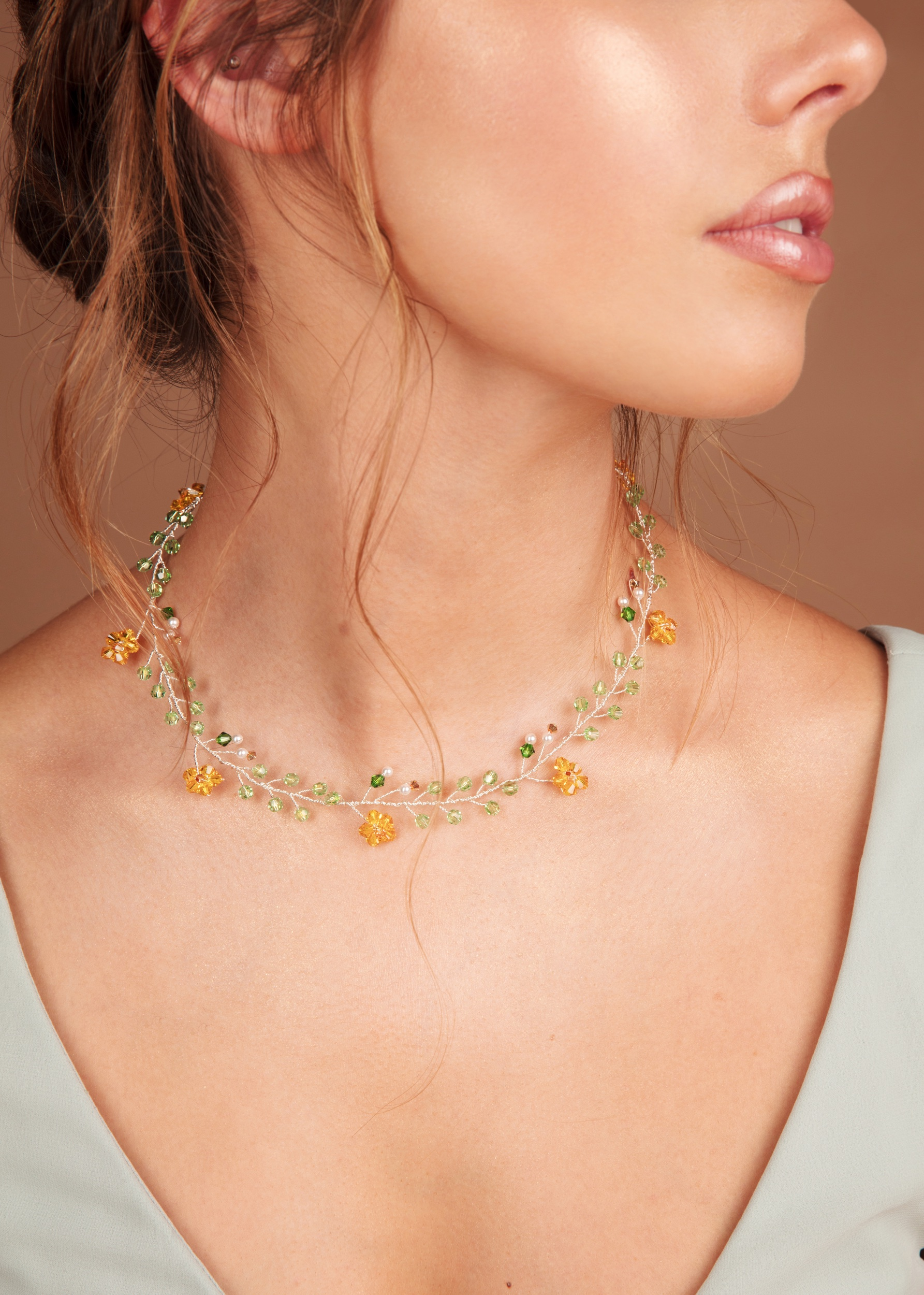 The Wreath necklace in Spring