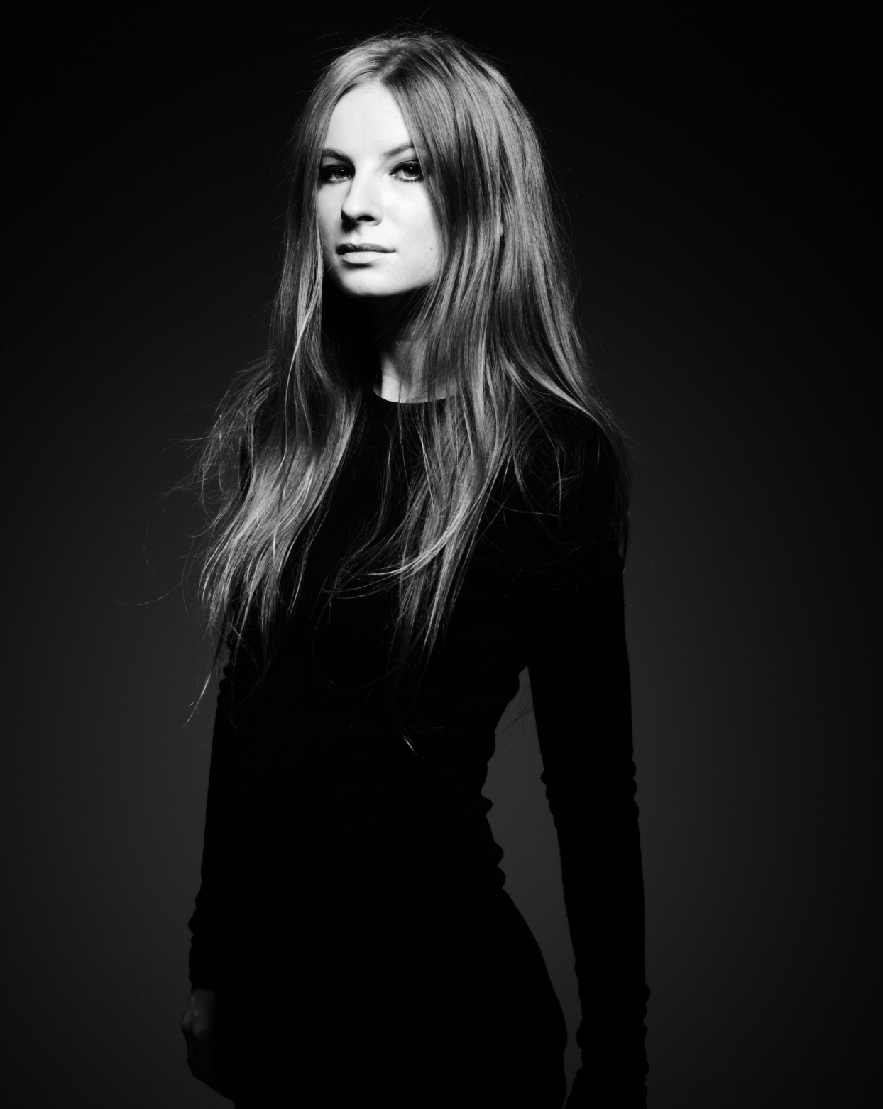Karolina Zmarlak Headshot2.jpg