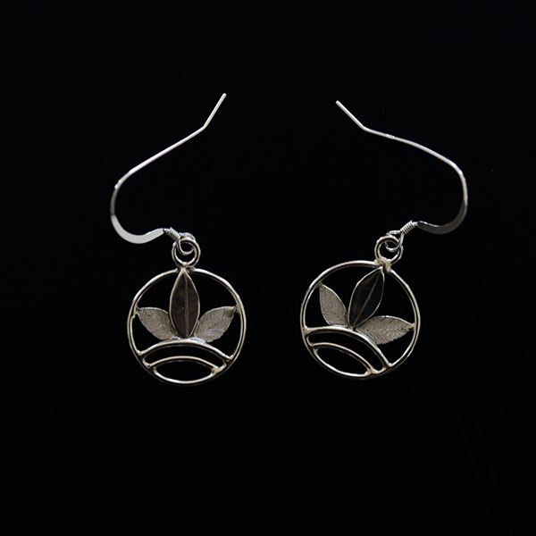 Earth - leaf earrings