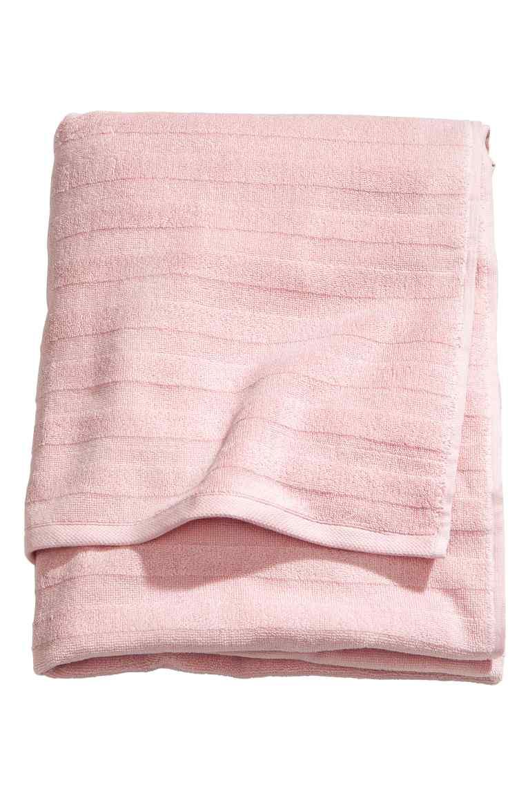 H&M BATH TOWEL - BLUSH £12.99