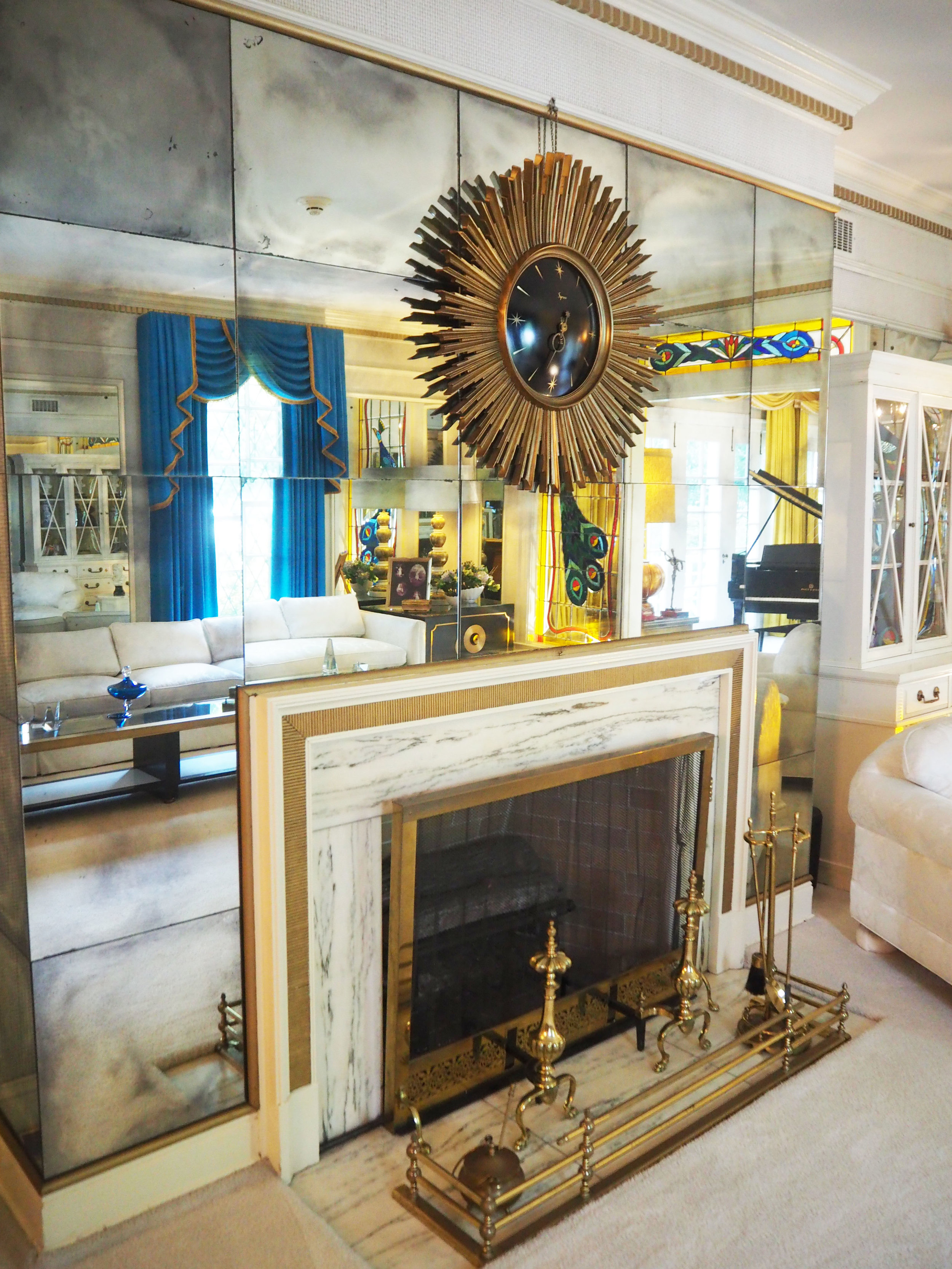 Inside Graceland {Elvis Presley's home, in Memphis Tennessee}. To read more and see more pics, click here.