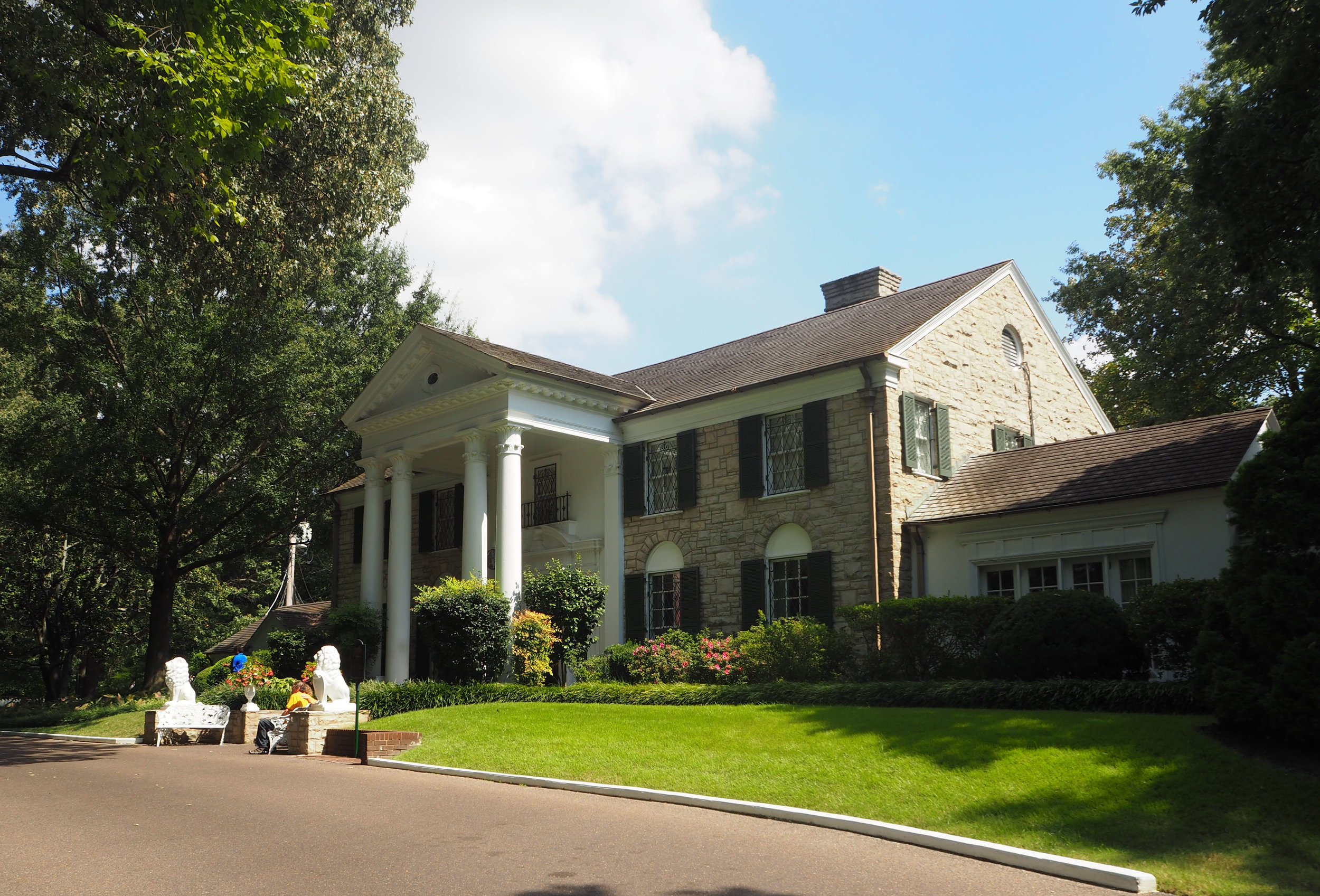 Elvis Presley | Graceland | Memphis, Tennessee. click to see more pics.