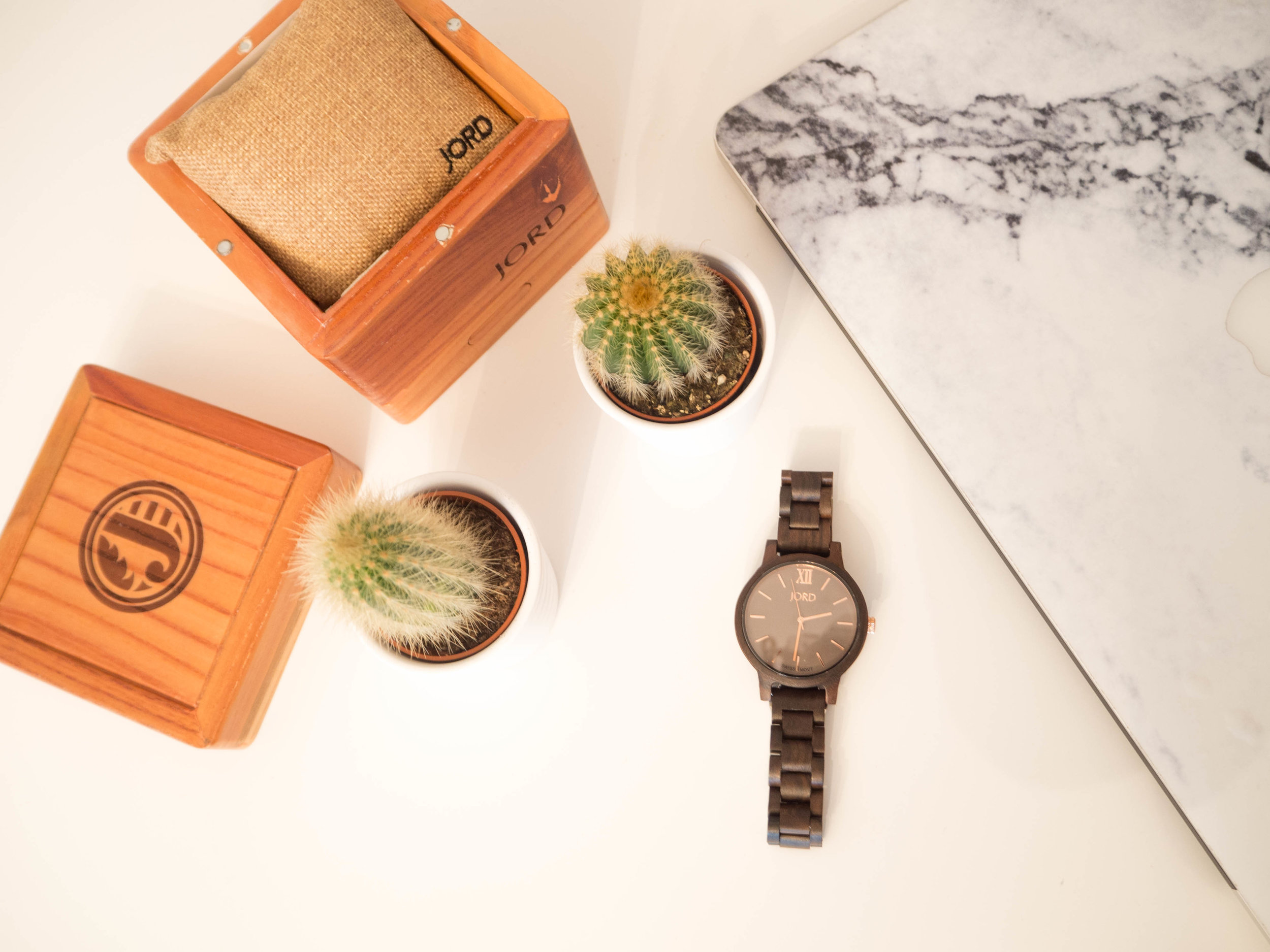 "<!-- JORD WOOD WATCHES ARTICLE WIDGET START --> <a id=""woodwatches_com_widget_article""  ishidden=""1""  title=""Luxury Wood Watch"">Luxury Wood Watch</a> <script src=""//www.woodwatches.com/widget-article/houselust""  type=""text/javascript""></script> <!-- JORD WOOD WATCHES ARTICLE WIDGET END -->"