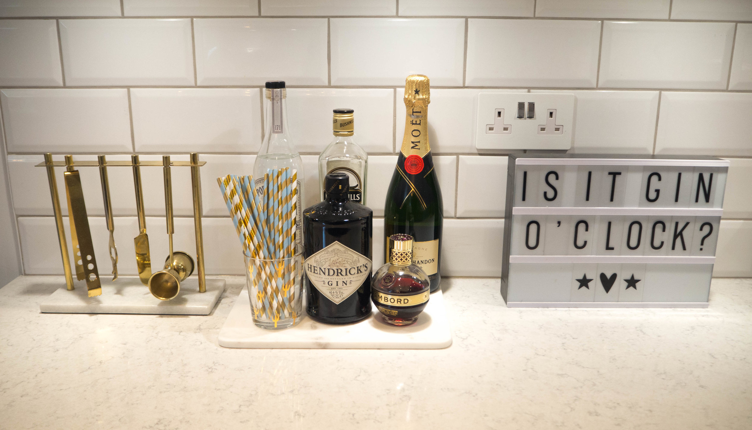 Is it Gin O'Clock? Who needs a bar cart, when you can have a drinks tray