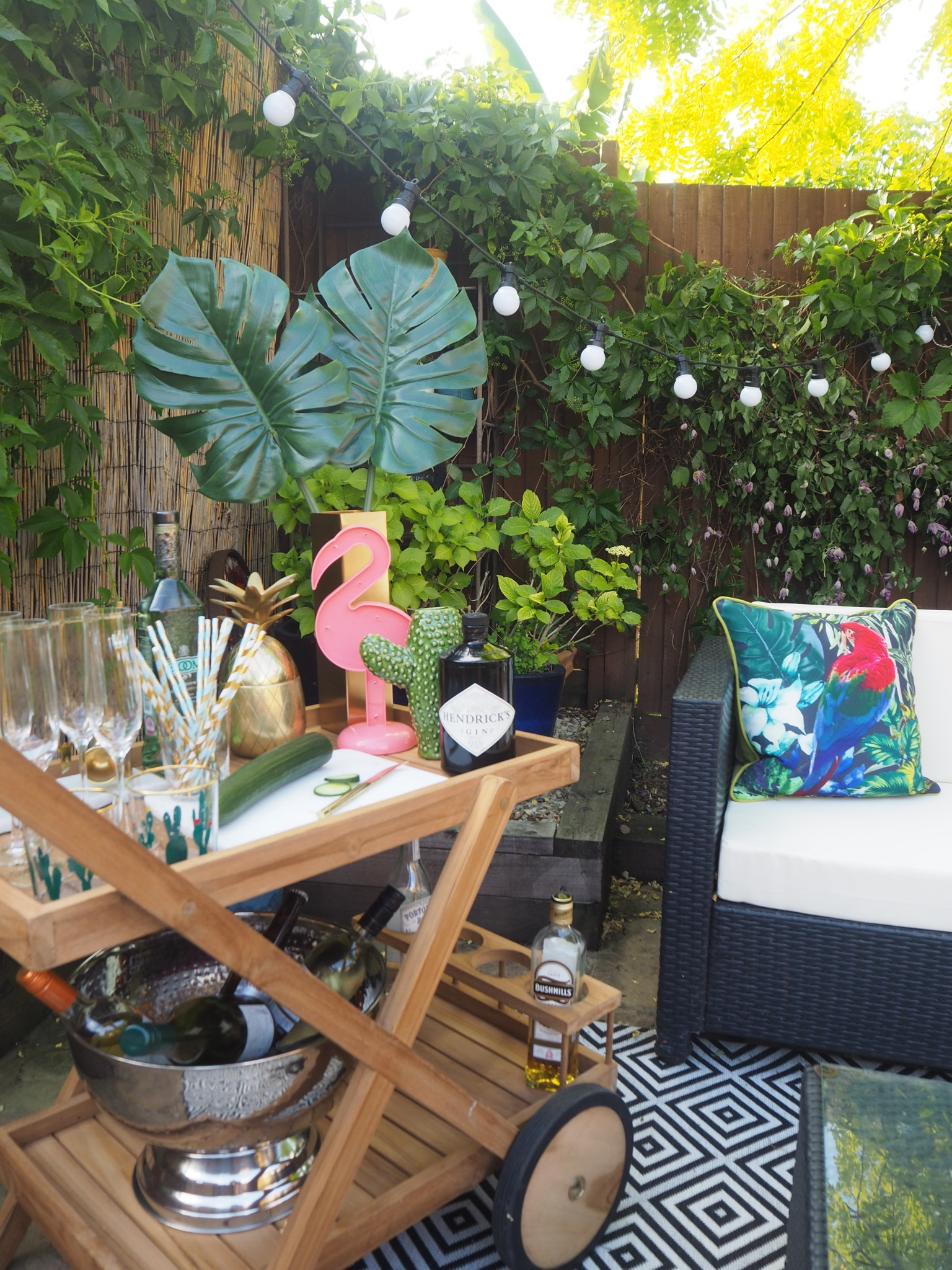 {OUTSIDE SPACE} THE OUTDOORS BAR CART