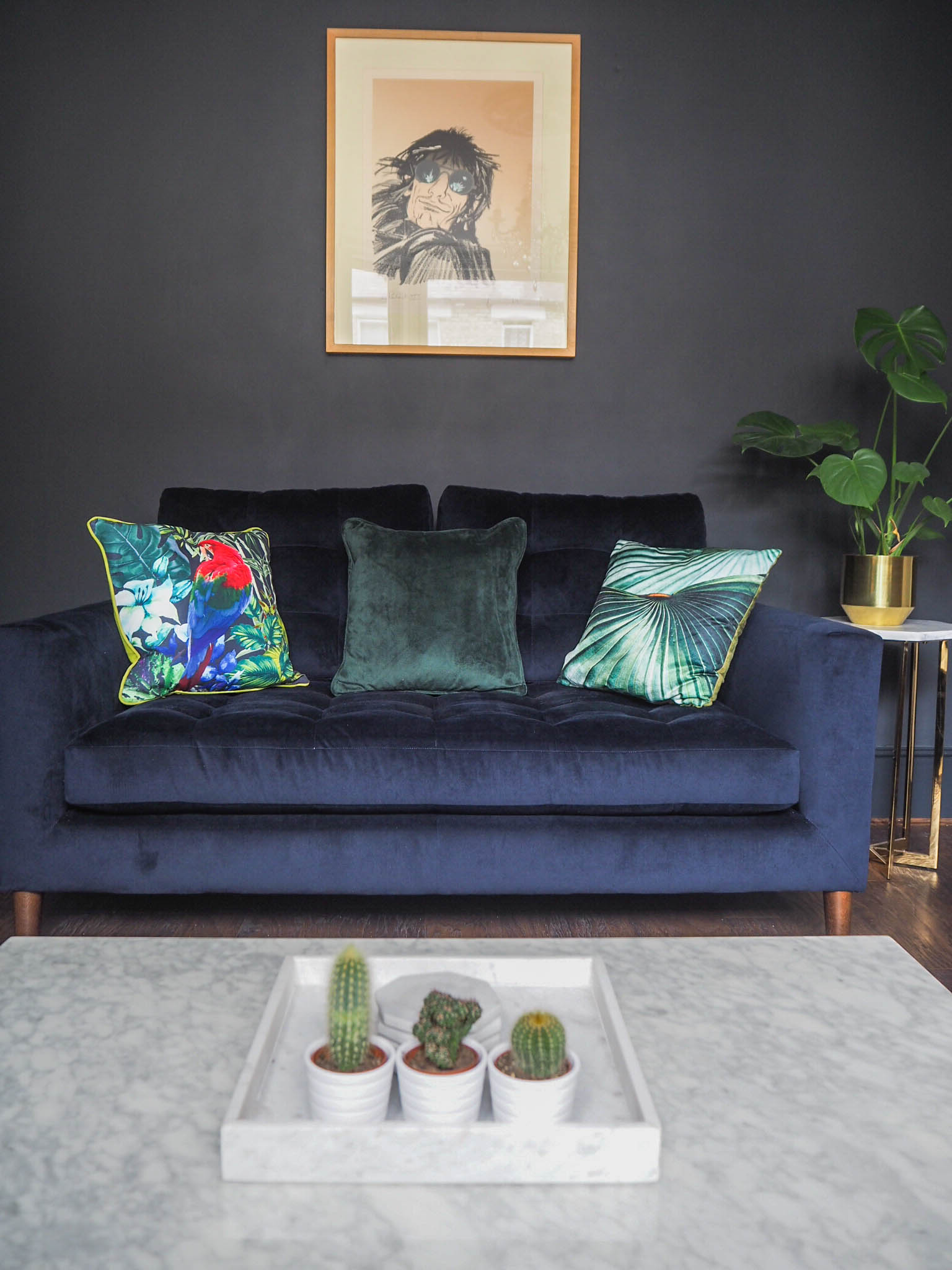 Cushion Update: A Wayfair home experts campaign in collaboration with Dutch Decor.