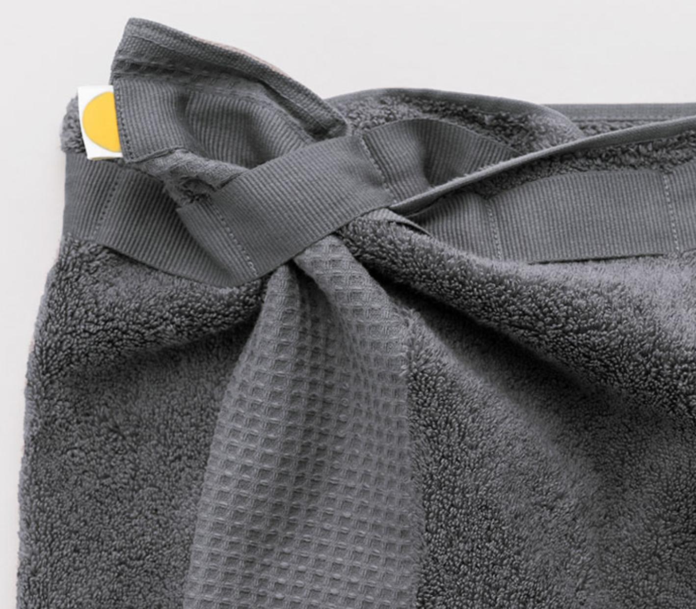 Eve Towel innovative fastening