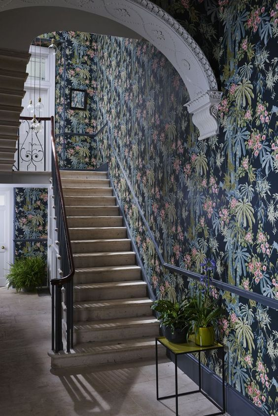 Hallway inspiration. Image from Pinterest.
