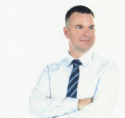 Niko Lewman  (@kispyniko)   PYP Coordinator and Teacher Librarian