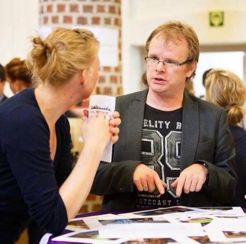 Pieter Sneil (@ psnel1973 )  Teacher writing, reading and literature