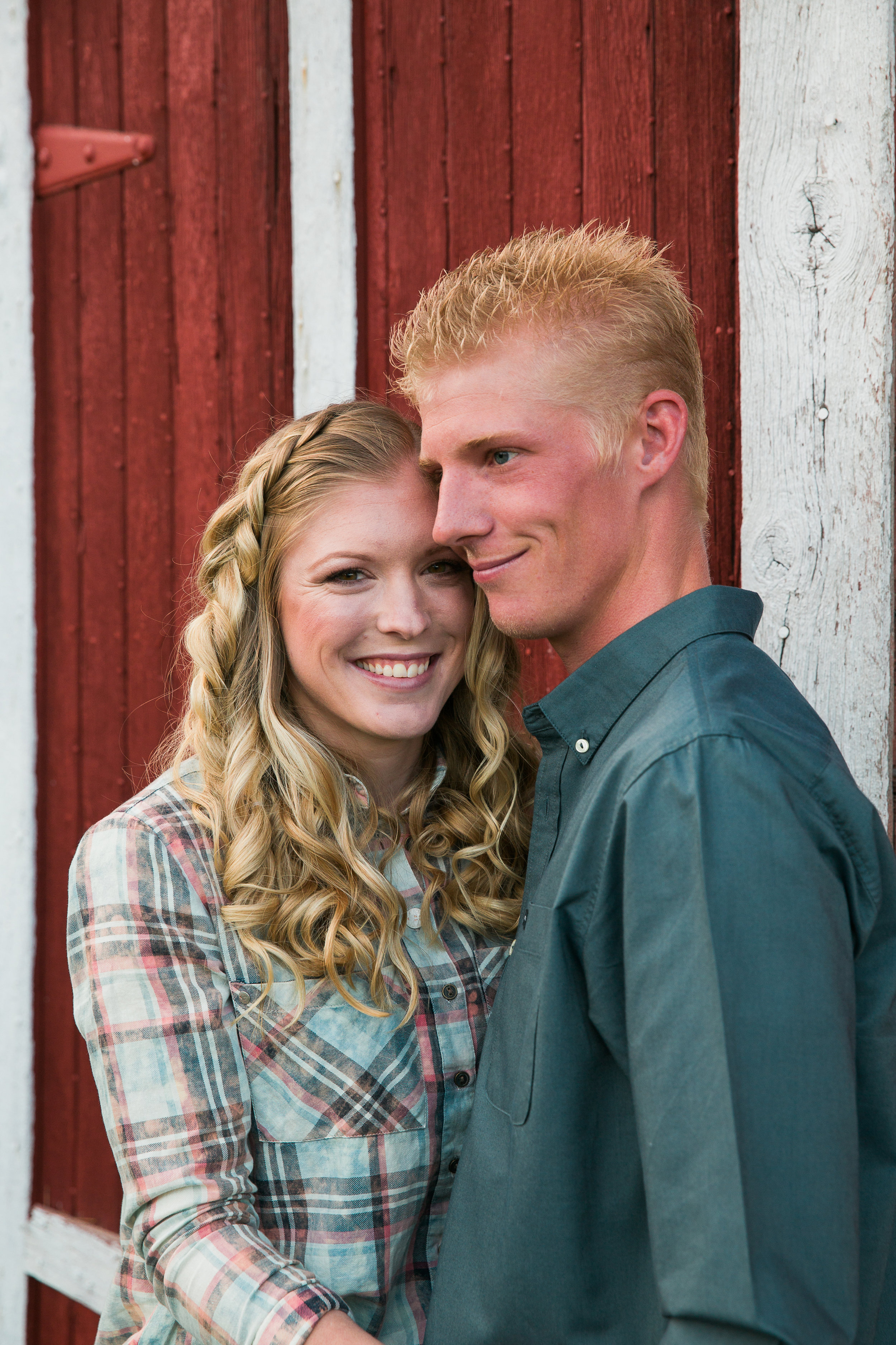 Brandi and Mike Country Engagements -10.jpg