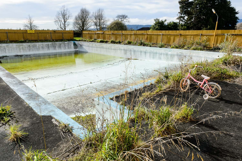 pink-bike-and-swimming-pool.jpg